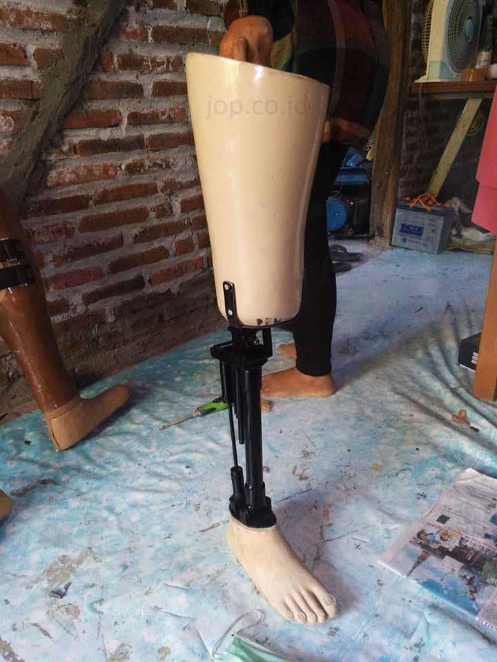 kaki palsu unik di Indonesia