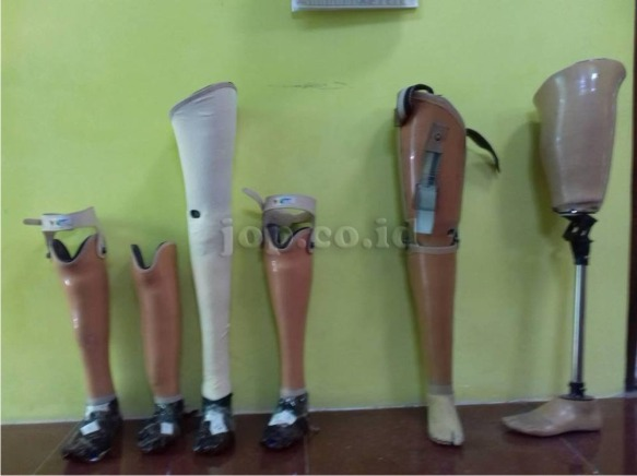 kaki palsu buatan JOP